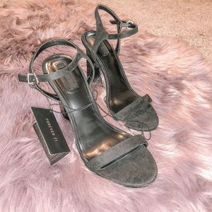 4in Black Block Heels SIZE8